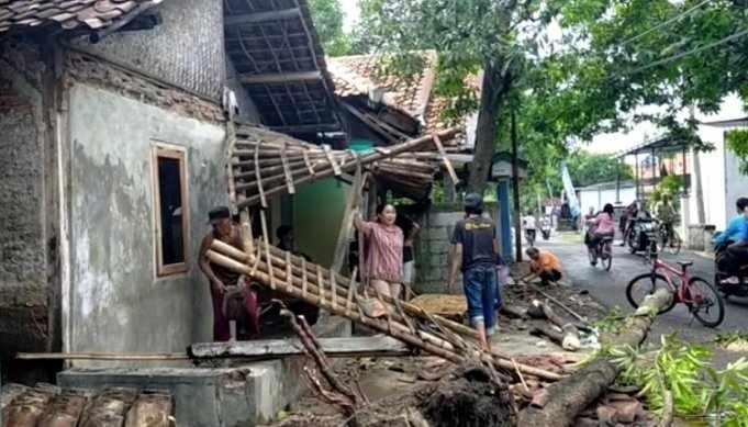 Lima dari 15 Kecamatan di Kabupaten Madiun Rawan Diterjang Puting Beliung