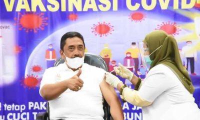 Sekda Parulian Nasution Orang Pertama di Suntik Vaksin di Tapsel