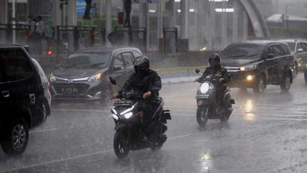 BMKG: Jakarta dan Sekitarnya Hujan Pada Siang Hari