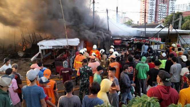 Hingga Pagi Ini Korban Meninggal Dunia Akibat Kebakaran di Pisangan Matraman Menjadi 10 Orang