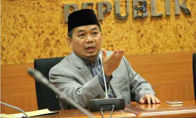 PKS Minta Kemendikbud Tarik Kamus Sejarah Indonesia