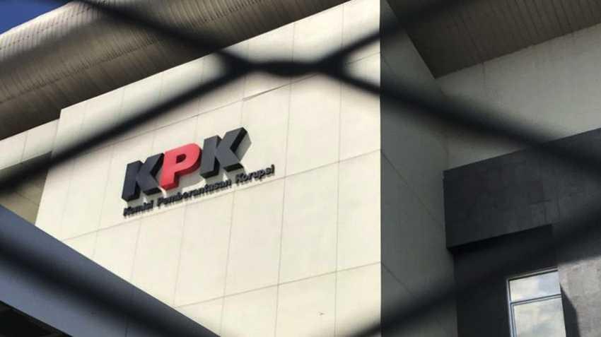 KPK Geledah Kantor Kontraktor Penyuap Nurdin Abdullah