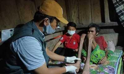 Kemensos Bantu Siswa SD yang Rawat Orang Tua Lumpuh di NTT