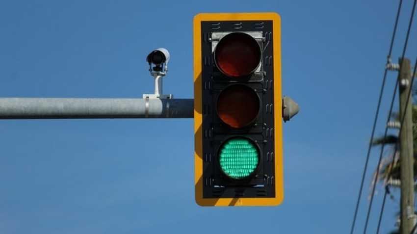 Kota Bekasi Mulai Operasikan Lampu Lalu Lintas Jembatan GKL