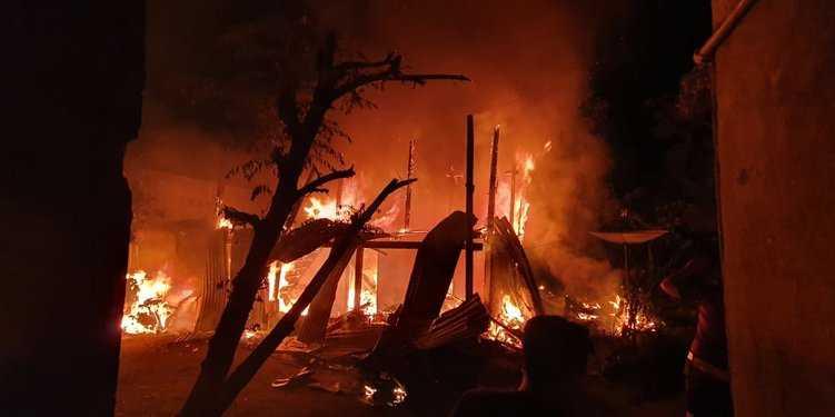 Lima Korban Kebakaran Matraman Dimakamkan di TPU Pondok Ranggon