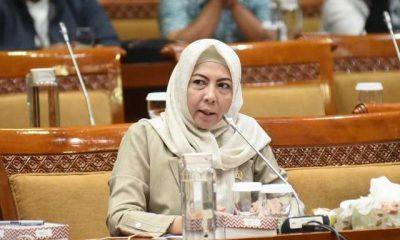 Dewan Minta Pemerintah Angkat Guru Honorer Jadi PNS Tanpa Tes