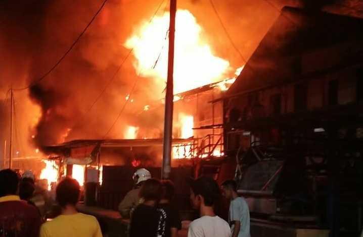 Kebakaran Taman Sari Hanguskan 112 Rumah Warga