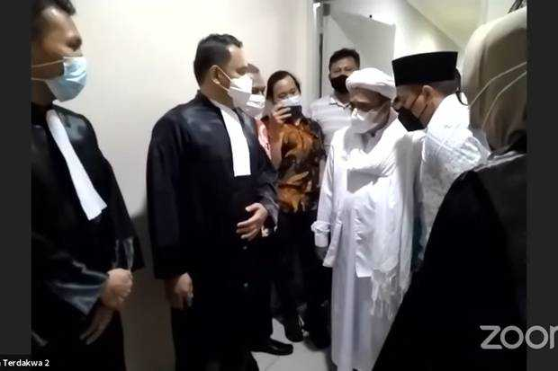Habib Rizieq Dituntut 2 Tahun Penjara Dalam Kasus Kerumunan Petamburan