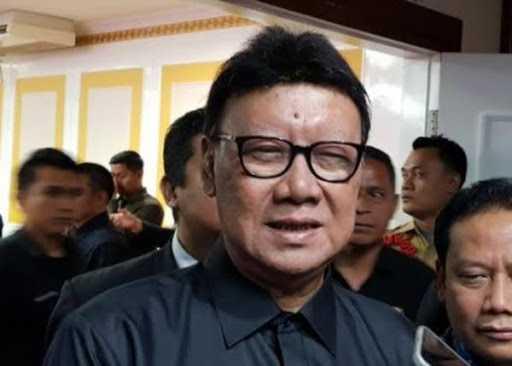 Menteri Tjahjo Tolak Usulan Pegawai Honorer Langsung Diangkat Jadi PNS