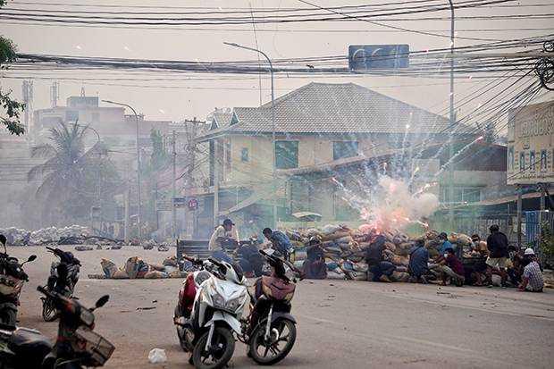 Junta Militer Myanmar Sudah Tewaskan 827 Orang Sejak Kudeta Pertama