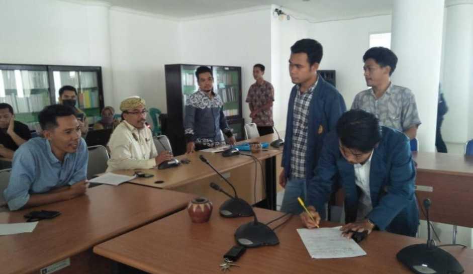 Komisi IV DPRD Loteng Akomodir Tuntutan Mahasiswa Tastura Saat Audiensi