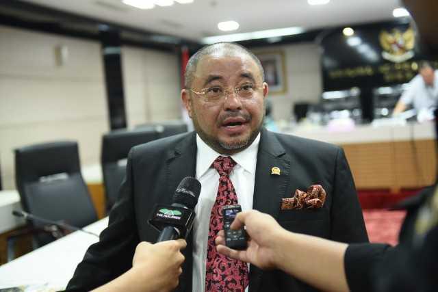 Reses, Anggota DPR Habib Aboe Bakar Borong Cabai