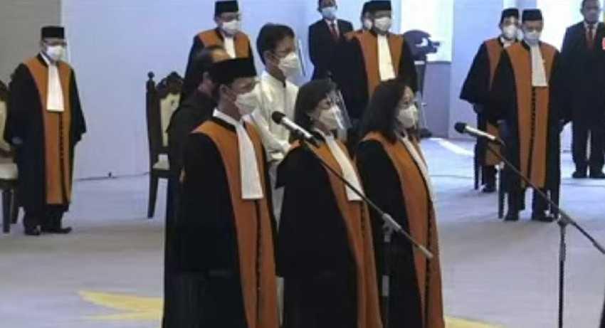 Ketua Mahkamah Agung Lantik Tiga Hakim Ad Hoc