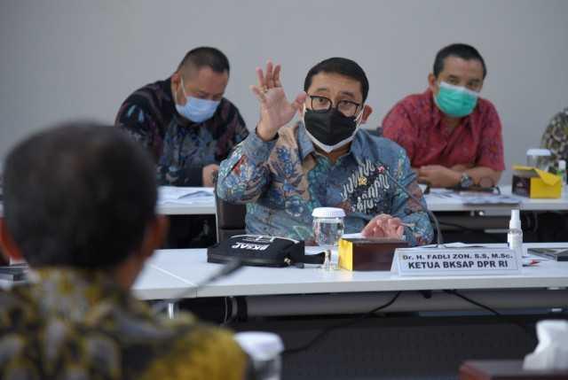 Fadli Zon Minta Pemerintah Fokus Atasi Pandemi dan Pemulihan Ekonomi Ketimbang Mikirkan Pemindahan Ibu Kota