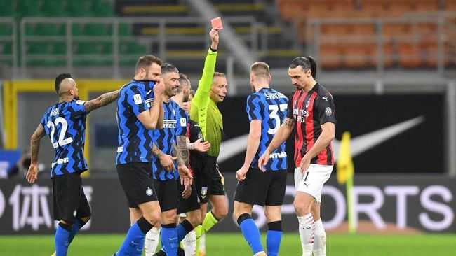 Hina Wasit Zlatan Ibrahimovic Diganjar Kartu Merah
