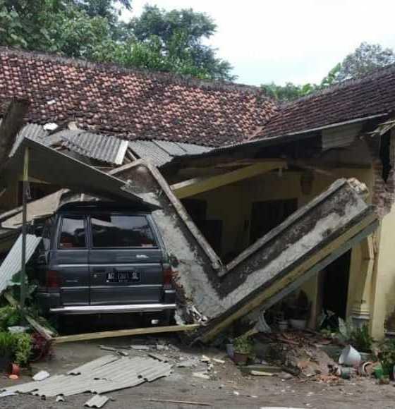 Update Gempa, BNPB: Lebih dari 300 Rumah rusak di beberapa wilayah Jatim