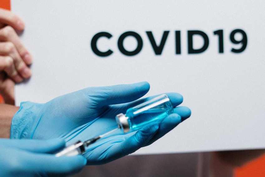 Buku Panduan Digital Vaksin COVID-19 Bisa Diunduh Gratis