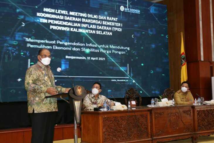 Pj Gubernur Kalsel Minta TPID Petakan Potensi Daerah Tekan Inflasi