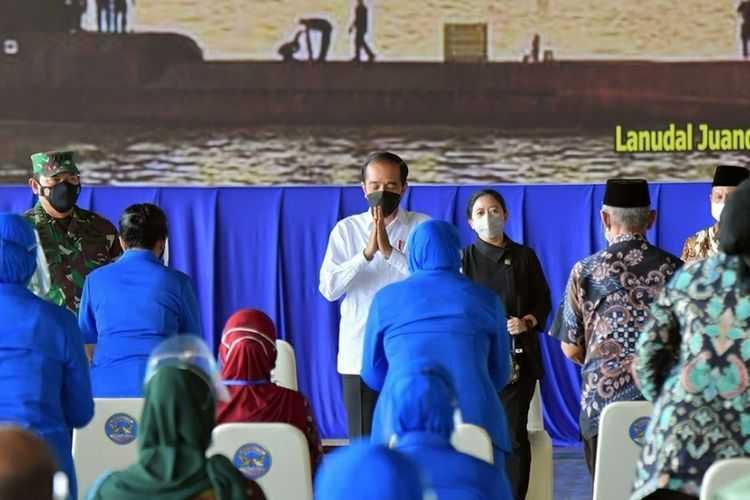 Jokowi Janji Bangunkan Rumah untuk Keluarga Prajurit KRI Nanggala-402 yang Gugur