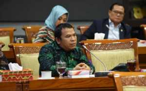 Minta Pemerintah Kaji Ulang Pelabelan KKB, DPR Sindir Balik Lukas Embe Soal Keamanan Papua