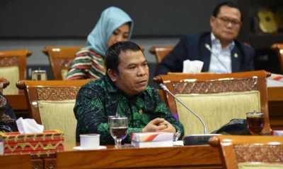 Pimpinan Komisi II Minta Jokowi dan Sandiaga Evaluasi Kebijakan Tempat Wisata Buka Saat Libur Lebaran
