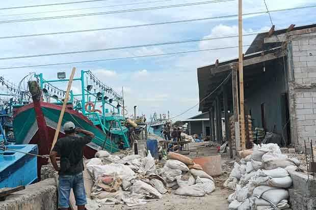 Pendapatan Anjlok, Buruh Jasa Angkut Nelayan Muara Angke Keluhkan Proyek Pembangunan Gudang