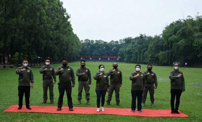 Sambangi Mako Brimob, Puan Maharani Latihan Menembak