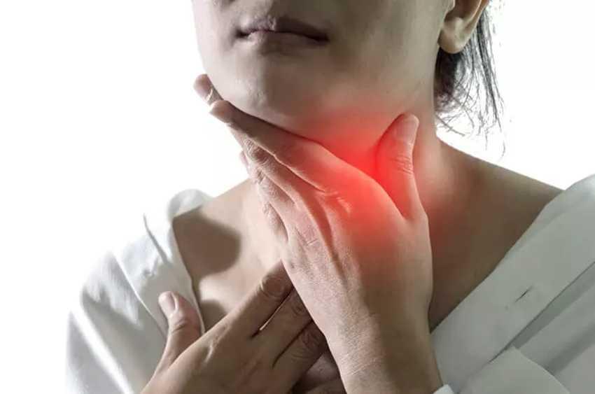 Sakit Tenggorokan Saat Berpuasa? Inilah 5 Cara Mengobatinnya