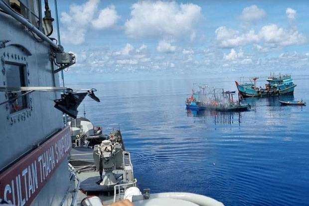 27 ABK kapal Kapal Sinar Mas Terjebak Kebakaran Berhasil Diselamatkan KRI Sultan Thaha Syaifudin