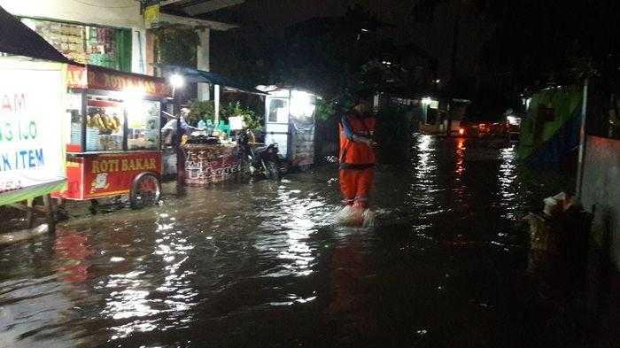 Akibat Hujan Senin Malam, Sejumlah Titik di Jakarta Utara Tergenang
