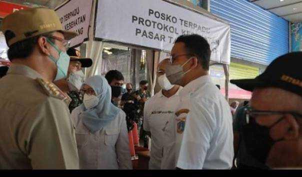 Cek Ketersediaan Pangan Jelang Lebaran, Anies Tinjau Pasar Mayestik