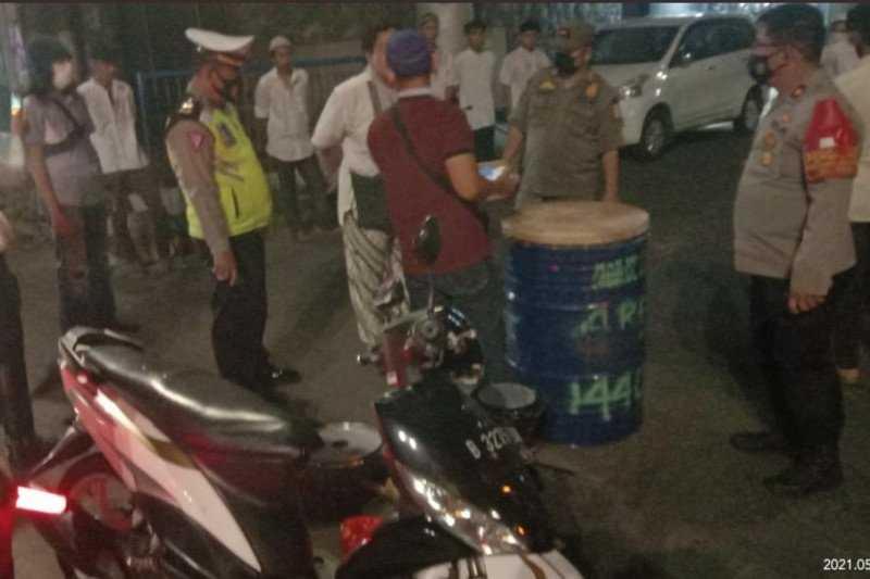 Antisipasi Covid-19, Polda Metro Jaya Berjibaku Cegah Kerumunan Sepanjang Malam Takbiran