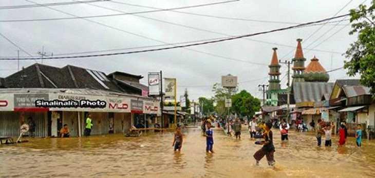 Saat Lebaran, Sungai Satui dan Haruyan Meluap, Banjir Hingga Melanda 2 kabupaten di Kalsel