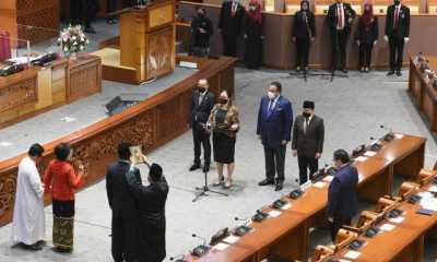 Ketua DPR Pandu Pengucapan Sumpah Pergantian Anggota PAW