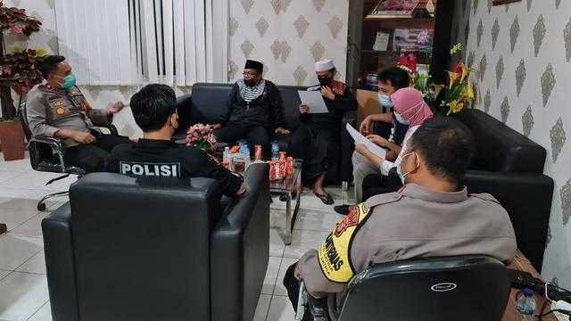 Viral Jemaah Masjid di Bekasi Dilarang Pakai Masker, Berakhir Damai
