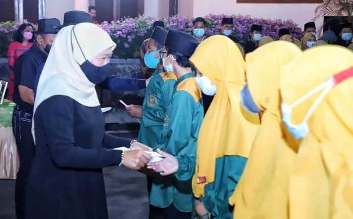Inilah klarifikasi Gubernur Jatim Khofifah Soal kerumunan Tasyakuran Ulang Tahunnya