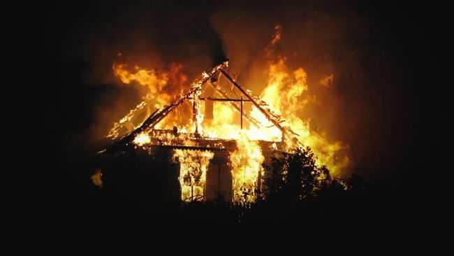Kembali Buat Teror, KKB Bakar Rumah Warga di Distrik Ilaga