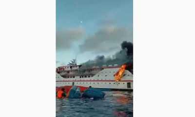 Saat Berlayat Kapal KM Karya Indah yang Mengangkut 181 Orang Penumpang Terbakar