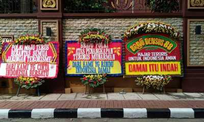 Pengamat: Dukungan via Karangan Bunga Sudah Politis