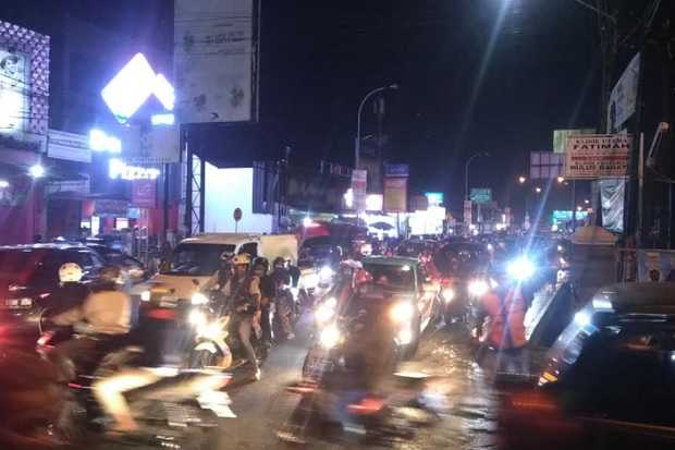 Malam Takbiran Bandung Padat, Banyak Warga Mudik ke Wilayah Satelit