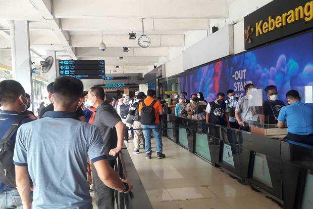 Sebelum Dilakukan Larangan, Pemudik Mulai Serbu Bandara Halim Perdanakusuma