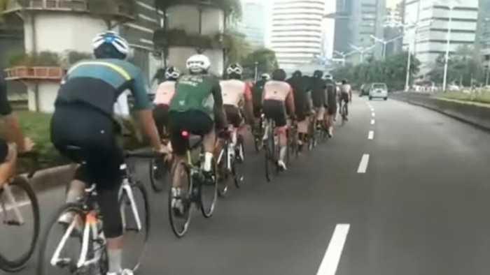 Polda Metro Bakal Tindak Pesepeda Road Bike yang Pakai Jalur Kanan Jalan Umum