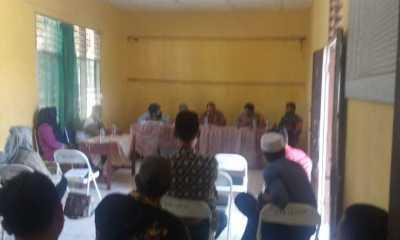 Rapat koordinasi mendadak Vaksinasi di Kecamatan Halongonan, Camat Amir Hakim Siregar siap divaksin pertama kali