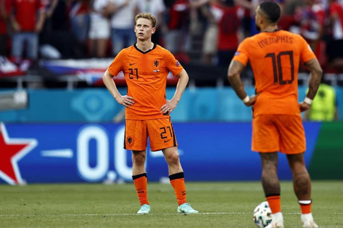 Kartu Merah De Light Pupuskan Perjuangan Belanda di Euro 2020