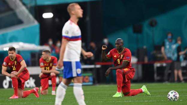 Aksi Berlutut Pemain Belgia Dapat Cemoohan Supoter Rusia