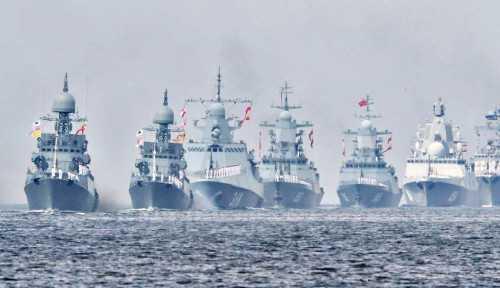 Rusia Lepaskan Tembakan Peringatan Hingga Jatuhkan Bom Untuk Mengusir Kapal Perang Inggris