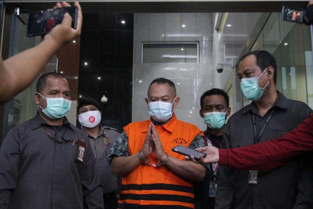 KPK Tahan Direktur Adonara Propertindo Tommy Adrian
