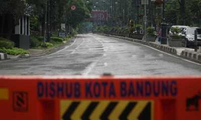 Bandung Kembali Lockdown, Jalanan ditutup