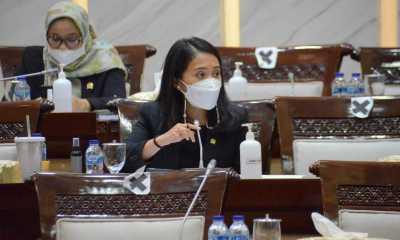 Puteri Komarudin Apresiasi Pemerintah yang Berhasil Keluar dari Jebakan Resesi Ekonomi