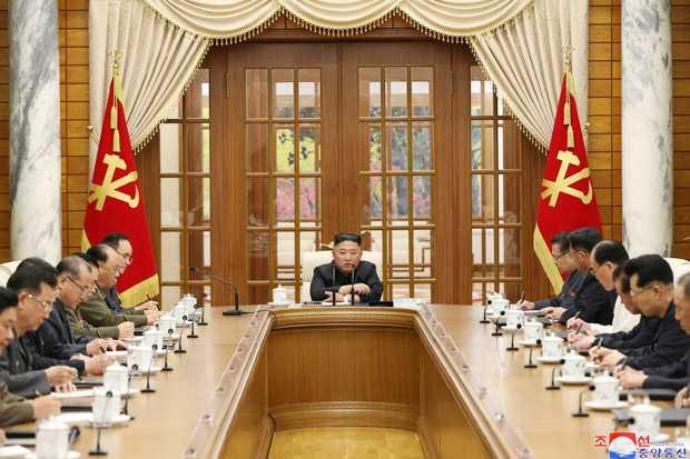 Sempat Diisukan Menghilang, Akhirnya Kim Jong Un Muncul Ke Publik Lagi